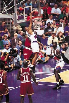 Kevin Johnson dunks over Hakeem Olajuwon - NBA Posterized Basketball Is Life, Basketball Legends, Sports Basketball, Basketball Players, Basketball Quotes, Michael Jordan, Nba Pictures, Basketball Pictures, Slam Dunk