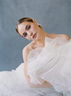 Bridal Poses, Bridal Session, Bridal Shoot, Wedding Poses, Wedding Portraits, Bridal Beauty, Wedding Beauty, Laura Gordon, Bride Portrait