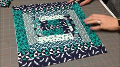 Quilt as you go Log Cabin Pillow Cover Quilting For Beginners, Quilting Tutorials, Quilting Ideas, Jellyroll Quilts, Patchwork Quilting, History Of Quilting, Quilt As You Go, Log Cabin Quilts, Pillow Tutorial