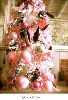 Pink Christmas   pink-christmas-buzznet2