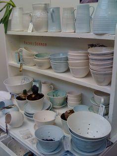 Rachel-Dormer-ceramic-display-shelves  http://remodelista.com/posts/the-perfect-farm-to-table-ceramics