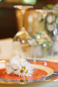 シェ松尾松濤レストラン様の装花 マーガレット
