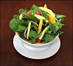 Salada de Rúcula Abacate e Manga ao Molho Picante de Laranja