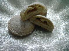 Ciao a tutti, oggi vi propongo dei panzerotti dolci fatti di pasta frollacon un delizioso ripieno composto dalla straordinaria Ricotta del Caseificio 3 Montifatta con latte vaccino d'altissima qu...