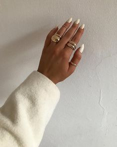 agar) Foton och v - Dior Makeup - Ideas of Dior Makeup - monique agar (Monica Rigotto.agar) Foton och v Cute Jewelry, Gold Jewelry, Jewelry Accessories, Fashion Accessories, Gold Necklaces, Stylish Jewelry, Bling Bling, Moderne Outfits, Armband Diy