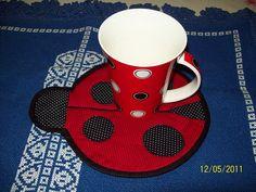What an adorable Lady Bug Mug Rug! Have you ever seen a coffee rug? #MrCoffee