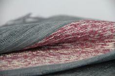 2e11a49130bb L un des plus beau foulard de cette collection de foulard en soie sauvage  tissé