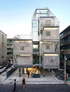 World Architecture Community News - Songpa Micro-Housing Seoul, Korea by SsD Architecture+Urbanism Architecture Metal, Contemporary Architecture, Sustainable Architecture, Open Space Architecture, Cultural Architecture, Fachada Colonial, Vitra Design Museum, Microhouse, Casas Containers