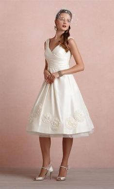 BHLDN PINWHEEL TEA DRESS BUTTERCREAM 6: buy this dress for a fraction of the salon price on PreOwnedWeddingDresses.com