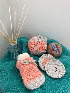 Baby Shop, Crochet Baby, Throw Pillows, Handmade, Toss Pillows, Hand Made, Cushions, Decorative Pillows, Crochet For Baby