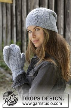 Meet the Dawn / DROPS - Knitted hat with cables and garter stitch in DROPS Sky. Knitted mittens with cables and garter stitch in DROPS Sky. Drops Design, Mittens Pattern, Knit Mittens, Knitted Hats, Knitting Patterns Free, Free Knitting, Crochet Patterns, Knit Crochet, Crochet Hats