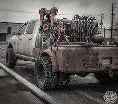 , That's a welding rig son. , That's a welding rig son. Welding Beds, Arc Welding, Welding Art, Metal Welding, Welding Tools, Welding Shop, Diy Tools, Mobile Welding, Welding Design