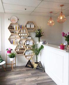 Home Beauty Salon, Home Hair Salons, Hair Salon Interior, Nail Salon Decor, Beauty Salon Decor, Small Beauty Salon Ideas, In Home Salon, Beauty Studio, Beauty Ideas