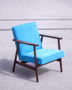 The armchair type designed by Hanna Lis. Redesigned by Lekka furniture Fotel utorstwa Hanny Lis. 60s Furniture, Mid Century Design, Mid-century Modern, Accent Chairs, Armchair, Couch, Living Room, Interior Design, Home Decor