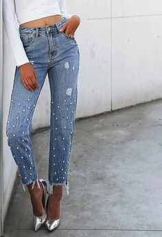 NEW Pilcro Hyphen Mid-Rise Boyfriend Jeans w// Bandana Fringe Detail