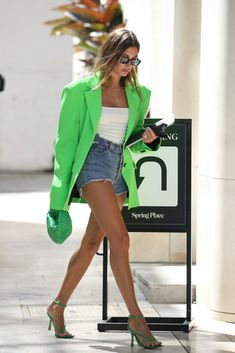 Blazer Jeans, Look Blazer, Blazer Outfits, Mode Outfits, Trendy Outfits, Summer Outfits, Fashion Outfits, Fashion Trends, Estilo Hailey Baldwin