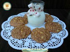 Las galletas de avena y manzana, son una receta saludable y deliciosa, cuyo consumo nos ofrece muchos beneficios. La avena en particular, nos ofrece proteínas