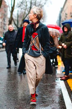 Why Aren't These Street Style Stans From Marni Photographed More? - Why Aren't These Street Style Stans From Marni Photographed More? Street Style Vintage, Street Style 2016, Street Style Looks, Looks Style, My Style, Hipster Grunge, Grunge Goth, Mature Fashion, Older Women Fashion