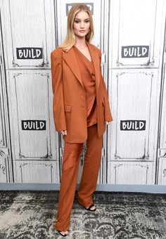 Halle Berry's Plunging Black Jumpsuit — Plus More Can't-Miss Celeb Outfits Rosie Huntington-Whiteley Rosie Huntington Whiteley, Rose Huntington, Halle Berry, Celebrity Outfits, Celebrity Style, Street Chic, Street Style, Tweed, Off White Pants