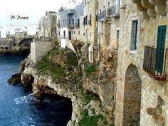Case sugli scogli, Polignano a Mare, Puglia