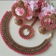 Kundan And Beads Semi Bridal Necklace Bridal Jewellery Inspiration, Indian Bridal Jewelry Sets, Indian Jewelry Earrings, Bridal Bangles, Jewelry Design Earrings, Bridal Jewelry Vintage, Bridal Necklace, Antique Jewellery Designs, Fancy Jewellery