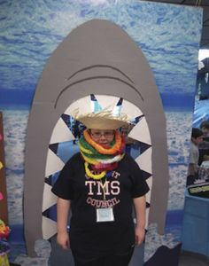 We think this school's idea is picture-perfect! Create a photo-op moment at your book fair. Families will remember the fun they had every time they see the picture- and start looking forward to your next fair! Check out your Book Fair Chairperson Toolkit for more tips and tricks.