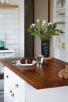 Islands make for a lovely kitchen.