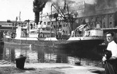 Swansea Bay, Bristol Channel, Floating Dock, Large Lanterns, South Wales, Car Parking, Lighthouse, Acre, Sailing