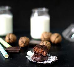 Noci e cioccolato per le kariokes, il dolce più famoso di Xanthi.