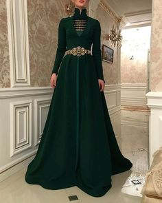 client💚 dress Our client💚 dress Velvet And Tulle Elegant Long Dress Pretty Outfits, Pretty Dresses, Elegant Dresses, Vintage Dresses, Fantasy Gowns, Medieval Dress, Mode Hijab, Mode Style, Beautiful Gowns