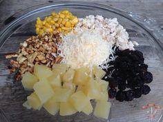 Salata cu ananas si piept de pui Healthy Salad Recipes, Carne, Acai Bowl, Chicken, Breakfast, Food, Acai Berry Bowl, Morning Coffee, Eten