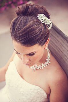 Beautiful hair & accessories! Photo by Danielle. #minneapolisweddingphotography #weddinghair