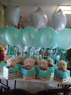 DIY Baby Shower PArty Ideas for Boys. LOVE this gorgeous teddy bear baby shower centerpiece and it is so easy to make Deco Baby Shower, Cute Baby Shower Ideas, Shower Bebe, Baby Shower Decorations For Boys, Boy Baby Shower Themes, Baby Shower Balloons, Baby Shower Gender Reveal, Baby Shower Centerpieces, Shower Party