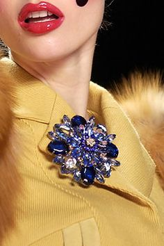 Vintage glamour #CollarPin