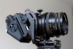 Hasselblad Flexbody with Carl Zeiss Planar 2,8/80 and PME 45 viewfinder, produced between 1995 and 2003.