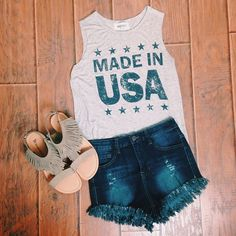"""""""Is it Sunday Funday yet? #lizardthicket #lizardthicketboutique #boutique #shop #sundayfunday #cantwait #tanktops #USA #sundayoutfit #almostfriday #instore…"""""""