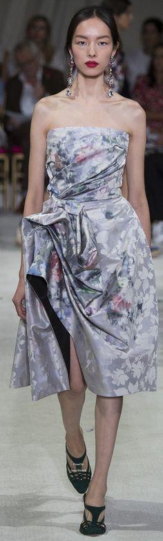 Oscar de la Renta Collection Spring 2016 Ready-to-Wear. Gorgeous.