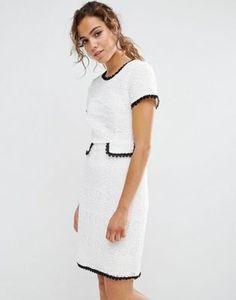 Фактурное цельнокройное платье с контрастной отделкой Darling