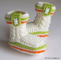 Knitted Baby booties with cute Bunny buttons hand by MiaPiccina