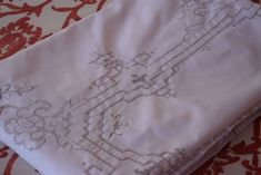 Antique Vintage Tablecloth Beige Handmade Embroidery Openwork Ancient Point Lace Ivory Linen Handwoven Romantic Rustic Home Banquet