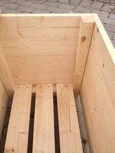 Rosor och ruiner: Dynlåda Furniture Projects, Garden Furniture, Wood Furniture, Planter Boxes, Planters, Ledge Lounger, Bois Diy, Backyard Patio Designs, Garden Boxes