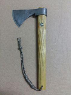 #coldsteelfrontierhawk #axe #tomahawk #blacksmith #survivor #urbansurvivor #zombikiller #tactical #tacticalgear #bushcraft #bushcrafter #bushcrafting #wood #forest #camp #camping #kamp #balta #nacak #kemeraltıdemircisi
