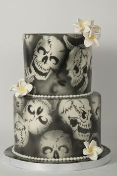 Air Brushed Skulls Air Brushed Skulls This air brushed skull cake is great for a gothic or even Halloween themed birthday or wedding. Skull Wedding Cakes, Halloween Wedding Cakes, White Wedding Cakes, Halloween Cakes, Cake Wedding, Halloween Halloween, Wedding Stuff, Wedding Ideas, Beautiful Cakes