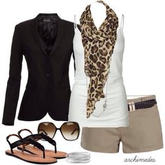I want an animal print scarf. It looks great with this outfit. Fashion Mode, Look Fashion, Fashion Outfits, Womens Fashion, Fashion Black, Petite Fashion, Curvy Fashion, Fall Fashion, Fashion Photo