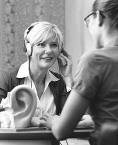 ¿Qué es la sordera súbita? La pérdida súbita de la audición neurosensorial, comúnmente conocida como sordera súbita, se produce como una pérdida rápida e inexplicable de la audición. Por lo general...
