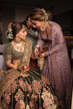 Exclusive Look At Bollywood Stylist Sukriti Grover's Dreamy Wedding By The Beach Mother of the bride: Pretty lilac lehenga with jacket for the mother of the bride. Bridal Makeup Looks, Indian Bridal Makeup, Indian Bridal Wear, Indian Wedding Hair, Bridal Outfits, Bridal Dresses, Dress Outfits, Indian Dresses, Indian Outfits