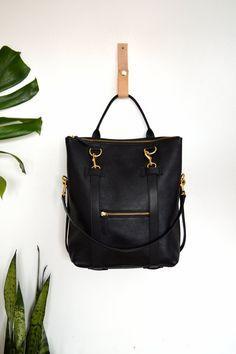 0ac012a6c2bf 3-en-1 noir en cuir sac à dos Convertible Backpack par ARTandJILL Leather
