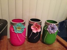 DIY mason jar crafts! Hold pens, pencils, brush whatever you want! Super cute