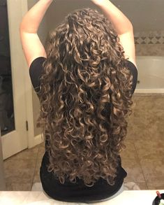 Where my low maintenance curly girls at? How bout you busy ones? Frugal curlie… Where my low maintenance curly girls at? How bout you busy ones?Or even the lazy ones like me? Raise your hands! Dry Curly Hair, Curly Hair Tips, Curly Girl, Wavy Hair, 2c Hair, Long Hair, Low Porosity Hair Products, Hair Porosity, Curled Hairstyles