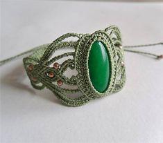 MacrameMarika / Macramé náramok Jade zelený Jade, Jewerly, Origami, Gemstone Rings, Gemstones, Handmade, Jewlery, Hand Made, Gems